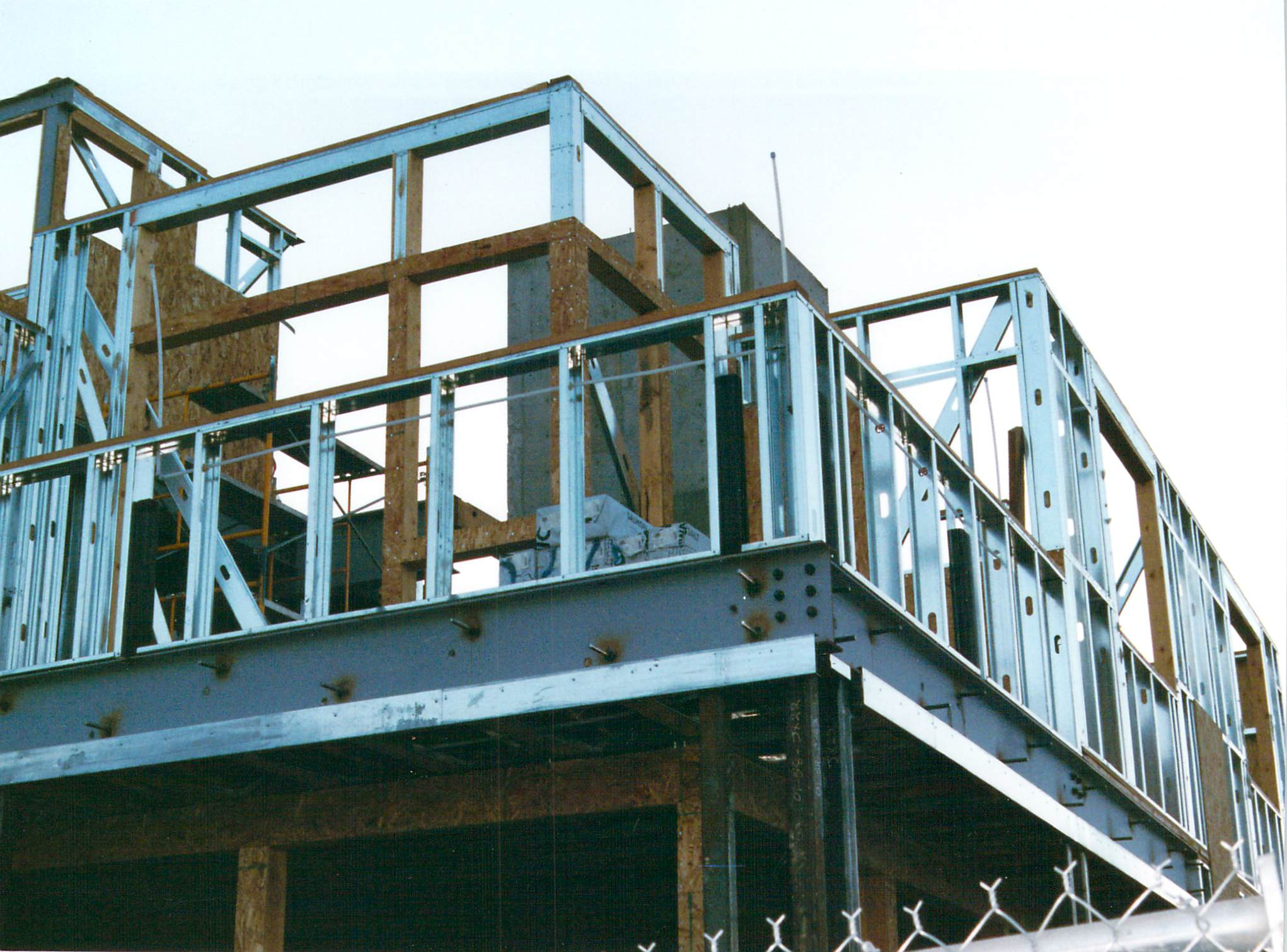 A steel framed house boomereseblog Steel frame homes